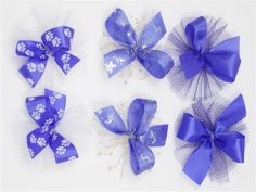 One of nine different sets of nine hair bows for your dog.