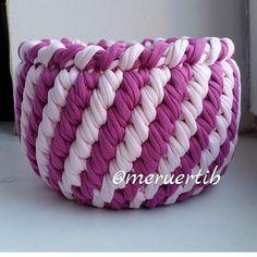 "805 Likes, 9 Comments - @applewhitecrochet on Instagram: ""By @alla_la_studio  #handmadebasket #crochetando #crochetbasket #crochê #crochetinspiration…"""