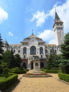 The Palace of Culture in Targu Mures, one of the most emblematic cities of Transylvania. Transylvania Romania, Tourist Places, Beautiful Landscapes, Palace, Cities, Castle, Culture, Dreams, Mansions