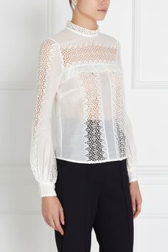 Хлопковая блузка Self-Portrait - Белоснежная блузка из коллекции Self-Portrait выполнена из ткани на основе хлопка и шелка в интернет-магазине модной дизайнерской и брендовой одежды