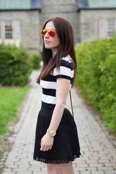 Stripes + pleats make for a winning ensemble from @boldsubtlety. #washablefashion #ootd #fashion #style #streetstyle #stripes #pleats
