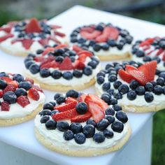 "Fourth of July Dessert Ideas - Patriotic Fruit Sugar Cookies...kiddos can assemble themselves, make healthy ""icing"" with cream cheese"