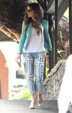 Kate Beckinsale for Gwen Stefani's baby shower. Love how effortlessly chic she looks