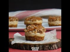 Blend Brown Sugar And Cream Cheese For A Classic American Treat Bite-Sized Brown Betty Cheesecakes Are the Perfect Apple Dessert to Serve a Crowd! Cherry Desserts, Apple Desserts, Mini Desserts, Apple Recipes, Just Desserts, Delicious Desserts, Dessert Recipes, Apple Brown Betty, Brown Sugar
