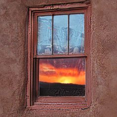 Santa Fe Window  Visit us at santafe.org  #window #ventana #sunset #reflection #puestadelsol santafeNM #santafe #thecitydifferent #santafelife #santafeliving