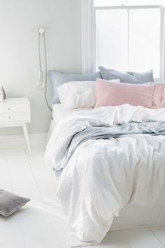 Inspirations White Bedroom Sets For Any Decor Pastel Bedroom, White Bedroom, Dream Bedroom, Decoration Inspiration, Room Inspiration, Bedroom Themes, Bedroom Decor, Bedroom Ideas, My New Room