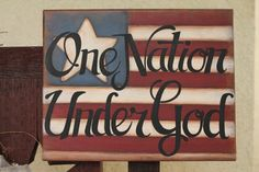 Canvas Americana decor painting by on Etsy Pallet Art, Pallet Signs, Wood Signs, Americana Crafts, Patriotic Crafts, Blue Crafts, Paint And Sip, Patriotic Decorations, Diy Painting