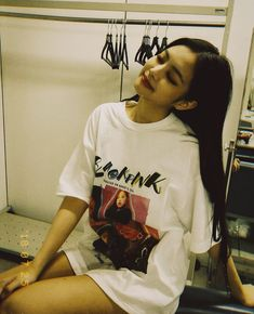 Jennie Queen - Blackpink Vietnamese Fanpage added a new photo. Kim Jennie, Forever Young, South Korean Girls, Korean Girl Groups, Osaka, Hearly Quinn, Armani Exchange, Black Pink, Blackpink Photos