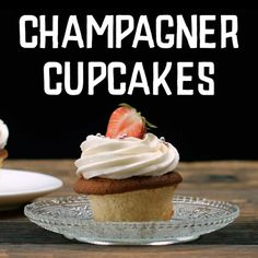 Champagner Cupcakes - New Ideas Snicker Cupcakes, Pumpkin Pie Cupcakes, Moist Cupcakes, Chocolate Cupcakes, Homemade Pumpkin Pie, Silvester Party, Dream Cake, Great Desserts, Snacks