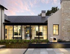 23 Incridible Modern Farmhouse Home Exterior Design Ideas