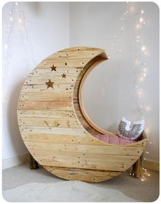 Creme Anglaise Creativity from Pallet Wood