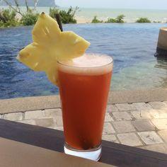 Mai Thai am pool von Koh Yao Yai Phuket, Koh Yao Yai, Pint Glass, Tableware, Beautiful Hotels, Traveling, Dinnerware, Beer Glassware, Tablewares