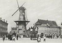 1906 Oostplein met molen De Noord, vanuit het zuiden.