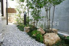 131118-5 (500×333) Entrance, Aquarium, Backyard, Exterior, Japanese, Urban, Architecture, Plants, House