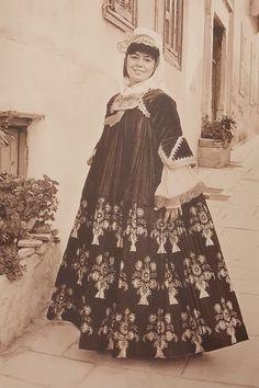 Greek Costumes, Skiathos, Folk Dance, Island, Traditional, Clothes, Outfits, Clothing, Kleding