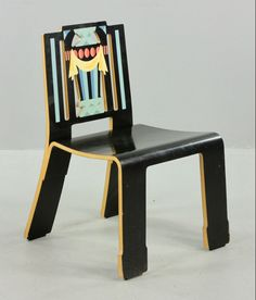 Robert Venturi (American, b.1925): Sheraton chair for Knoll, circa 1985; Fun post-modernist seating!