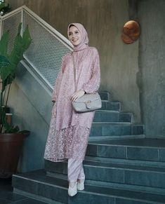 Hijab Gown, Hijab Dress Party, Hijab Style Dress, Casual Hijab Outfit, Ootd Hijab, Kebaya Modern Hijab, Kebaya Hijab, Kebaya Dress, Dress Brokat Muslim