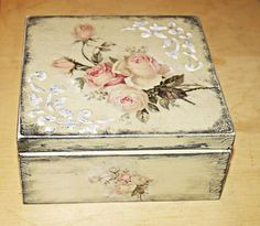 Decoupage Box, Decoupage Vintage, Pretty Storage Boxes, Decoration Shabby, Altered Cigar Boxes, Diy And Crafts, Arts And Crafts, Pretty Box, Rose Art