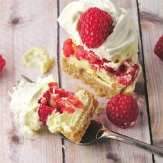 These adorable lemon and raspberry treats are creamy, sweet summer dessert perfection!