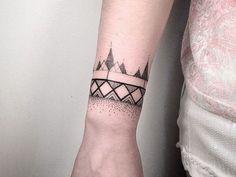 Ideias de Tatuagem Masculina Pequena | Geométrica no Pulso