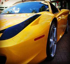 Cars on Fifth and this 458 Italia Close up. #carphotographybyjjgarcia #15ferrari #15ferrari458 #15italia #ferrariitalia458 #458italia #Ferrari #458italia