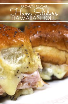 Brown Sugar Hawaiian Roll Ham Sliders w/VT Cheddar! Sweet King's Hawaiian rolls are layered with sliced ham and VT cheddar cheese. Then brushed with a sweet and spicy brown sugar glaze and baked. Ham Cheese Sliders, Ham And Swiss Sliders, Ham And Cheese, Cheddar Cheese, King Hawaiian Rolls, Hawaiian Roll Sliders, Kings Hawaiian Sandwiches, Mini Sandwiches, Funeral Sandwiches
