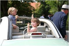summer wedding photography in suffolk at Barrandov Opera House, funny kids at the wedding!