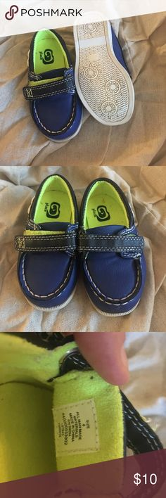 Size 4 toddler boy shoes Great condition.  Only worn once indoors.   Blue & Neon green. Children's Place Shoes