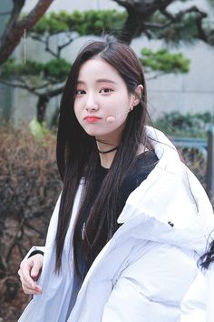 |035| Momoland Yeonwoo Kpop Girl Groups, Korean Girl Groups, Kpop Girls, Korean Celebrities, Woman Crush, Ulzzang Girl, Korean Beauty, South Korean Girls, We The People