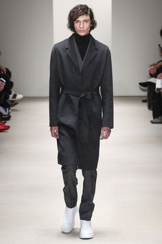 See the Jil Sander autumn/winter 2015 menswear collection