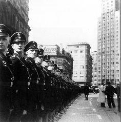 Flander volunteers of the Waffen-SS, Antwerp, 1944.