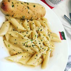 Chicken Alfredo pasta I had in the morning from #Sbarro  #foodie #lovefood #finixpost #lifeofmanpreet #loveeating #pasta #pastas #pastalover #delhidiaries #foodblogging #foodblogger #foodporn #foodlover
