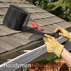 Installing leaf guard gutters can put that miserable, messy, stinky job of cleaning out gutters behind you. Discover three of the best gutter guard options for your roof. Home Renovation, Home Remodeling, Bathroom Remodeling, Gutter Drainage, Diy Gutters, Diy Jardin, Drainage Solutions, Water Collection, Diy Home Repair