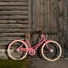 Pashley Cycles - Pashley Poppy £495 http://www.pashley.co.uk/products/poppy-blush-pink.html