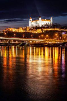 Братиславский замок, Словакия  #красота #пейзаж #природа #photography #nature #amazing #new #pictures #beautiful #naturek #landscape #beauty