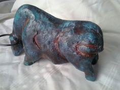 Toro,óxidos en pintura.
