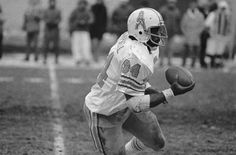 Houston Oilers/Tennessee Titans - Earl Campbell, RB.