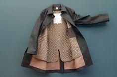 Hancock VA x Tenue de Nîmes 2015 Winter Collection: Premium, modern reworks of the classic trench coat. Blue Raincoat, Raincoat Jacket, Rain Jacket Women, Fashion Details, Fashion Design, Raincoats For Women, Women Wear, Fall Clothes, Men's Clothing