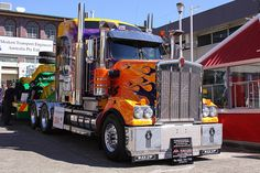 Kenworth+Show+Trucks | truck show kenworth another heavily decorated truck at the truck show ...