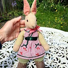 Very tempted to make a new Bunny today. The Verity Hope dolls have been asking for ages to have me make one for them. Perfect weather to take the old 1940s sewing machine into the garden! #vintagerabbit #vintagetoys #vintagesewing #verityhopesworld #clothdolll #