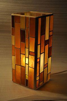 mosaic lamp http://lapolveriera.jimdo.com/vetrate/lampade/
