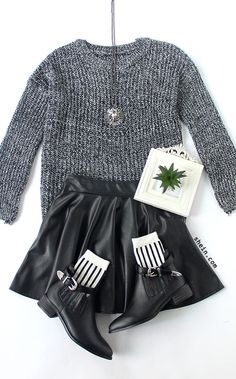 Cozy oversized knit sweater. 40% off 1st order!