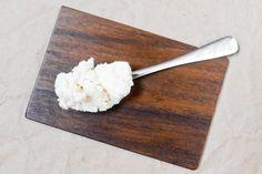 Le beurre de coco, c'est absolument irrésistible, et voici les 20 meilleures recettes au beurre de coco pour en faire bon usage (à part le manger à la cuillère !).
