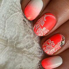 Découvre avec quoi j'ai réalisé mon nail art sur le blog www.nail-art.fr !! #tartofraises #nailart #nails #notd #npa #nailpolish #gradientnail #tieanddye #pastel #sweet #fluo #neon #summerNails #soleil #sunnynails #colorclub #colorclubnaillacquer #colorclubfrance @colorclubfrance @colorclubnaillacquer @adnailsmanucure by tartofraises