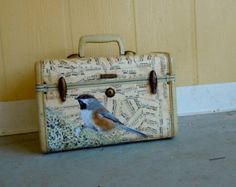 vintage samsonite train case covered in antique sheet music with bird . from mindovrmatter and nesteggvintage on etsy Vintage Suitcase Decor, Vintage Trunks, Decoupage Suitcase, Vintage Suitcases, Vintage Luggage, Recycled Crafts, Diy Crafts, Puppy Backpack, Vintage Train Case