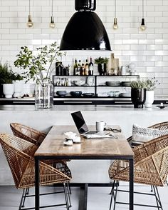 Loving the black, white and rattan look of this vintage modern kitchen and dining room. Loving the black, white and rattan look of this vintage modern kitchen and dining room. Kitchen Interior, New Kitchen, Kitchen Dining, Kitchen Decor, Room Interior, Kitchen Nook, Kitchen Chairs, Kitchen Lamps, Kitchen Black