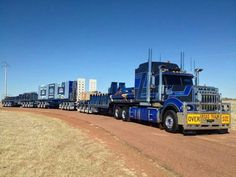 ⭐️⭐️ KW pulling a 3 axle step deck w/ramps and 2 more 3 axle dollies pulling 2 more 3 axle flat beds, TRUE road-train. ⭐️⭐️
