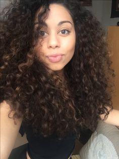 Curly hair, long hair, curl, curls, hannah, hannah edwards, hannahed, lion, hair products, blogger, lifestyle, curly, lions mane, curly hairstyles, blogger, lifestyle blogger, curlyhairkillers, curlyhair, braids, natural hair, team natural, natural, namaste, zen,