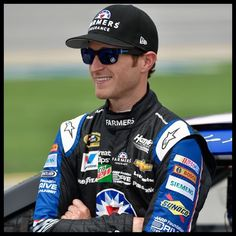 The 37-year old son of father Tammy Kahne and mother Kelly Kahne, 175 cm tall Kasey Kahne in 2017 photo