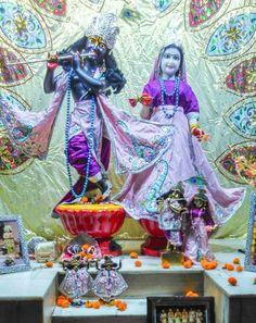 27 Apr 2017 शर शर रध मधव मगल आरत दरशन  Today special program  HH Bhakti Asraya Vaisnava Maharaj Visit 1. Srimad Bhagavatam Class: Morning 7:45 AM 2. Glories of Aksaya Trtiya: Evening 6:30 PM - 8:30 PM  Hari bol    #radha #krishna #Prabhupada #devotion #harekrishna #ISKCON #Chandigarh #love #happy